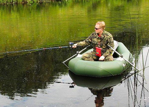 чем можно ловить с лодки пвх